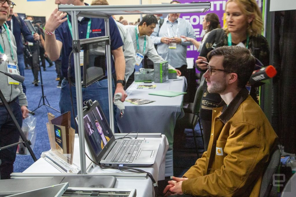 Virtual visor, parasole auto con l'AI