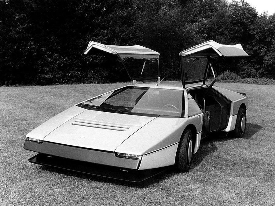 Concept car anni '80 - Aston Martin Bulldog