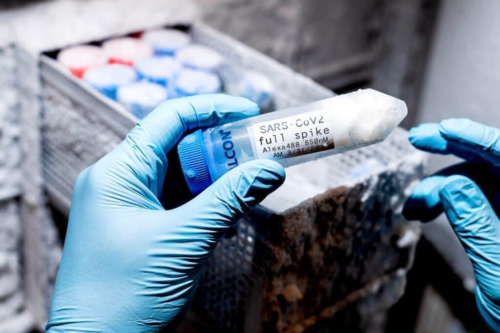 AeroNabs, spray nasale ai nanocorpi che protegge dal Covid-19