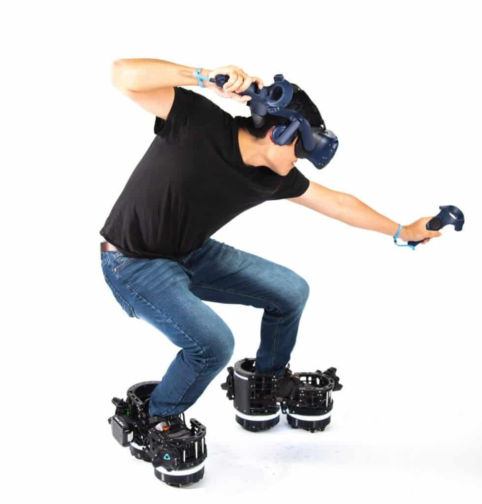 Ekto One di Ekto VR, stivali robotici che permettono di camminare in VR