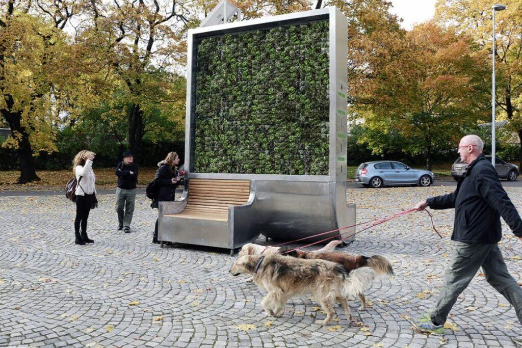 """Inquinamento atmosferico: """"alberi"""" urbani per catturare smog"""
