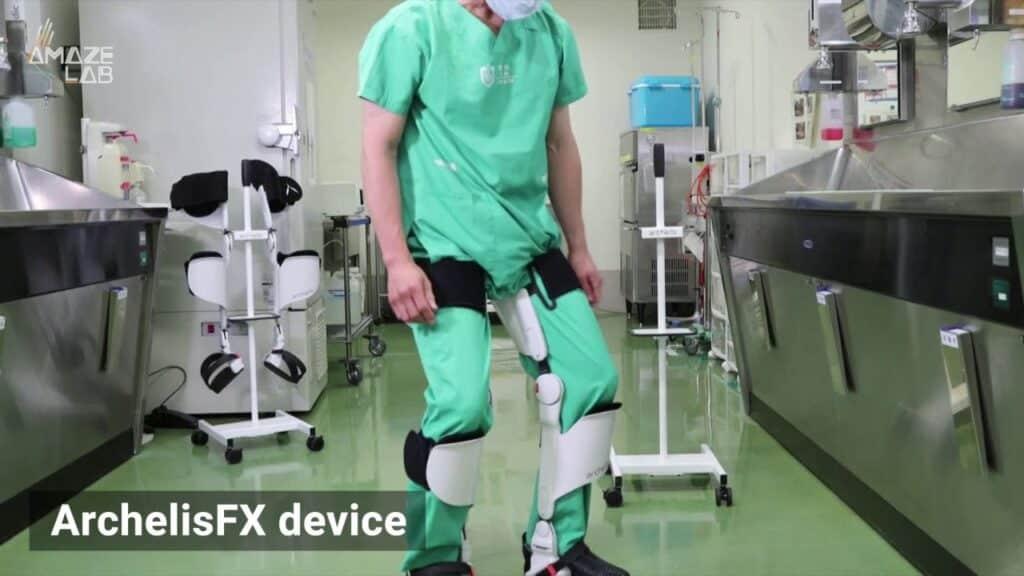 Esoscheletro indossabile per stare in piedi